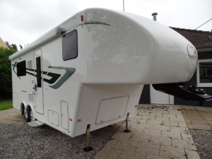 Fifth Wheel Company  /  Dream Seeker